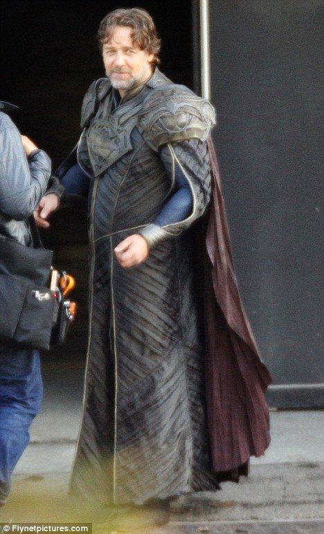 Russell Crowe as Jor-El 2