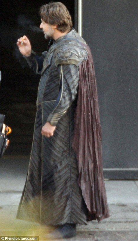 Russell Crowe as Jor-El 3